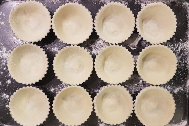 pastrycups-12x8
